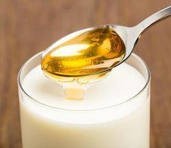 Молоко с медом и содой